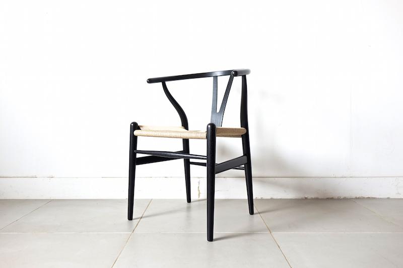 """""""CH24"""" Y chair black/n by Hans J. Wegnerの画像"""