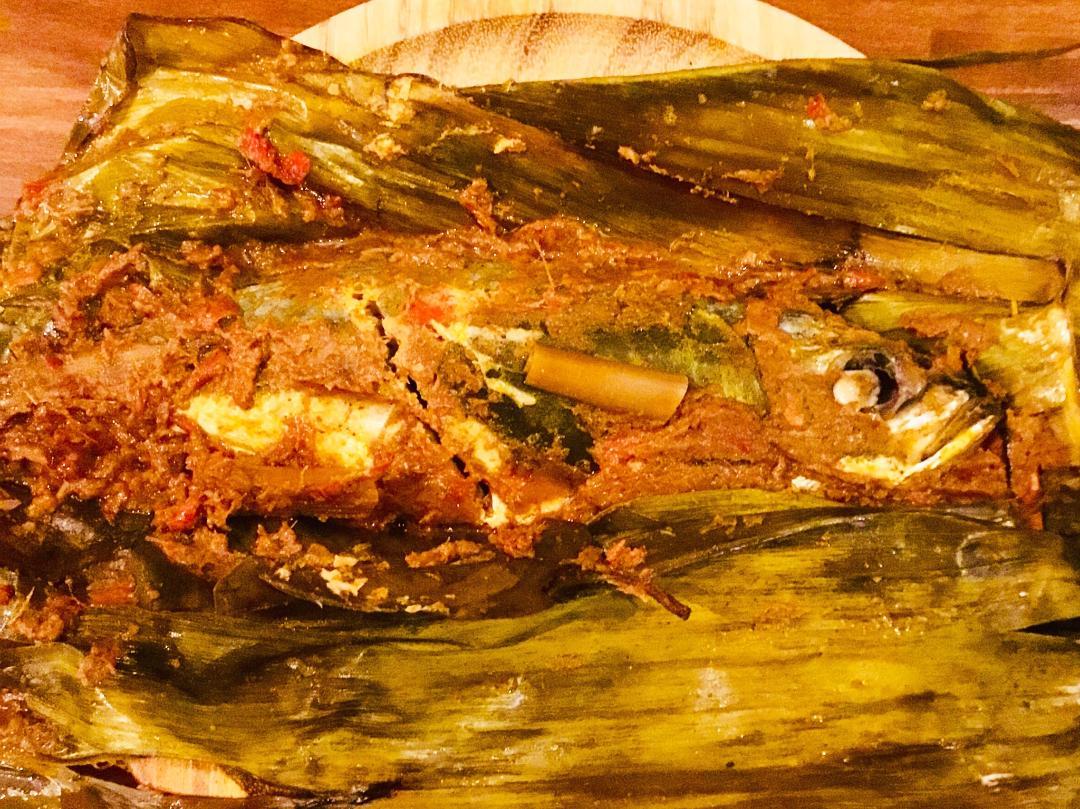 魚(鯵)のバナナの葉包み/Ikan pepes 【Halal】画像