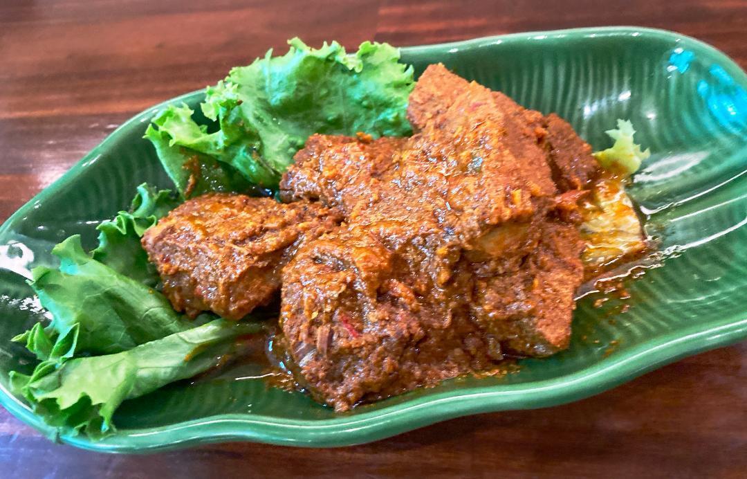 じっくり煮込んだ絶品ルンダン(牛肉のスパイス煮)/Rendang sapi 【Halal Beef】画像