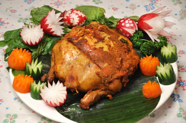 バリ風チキンの丸焼き/Ayam Betutu 【Halal Chicken】画像