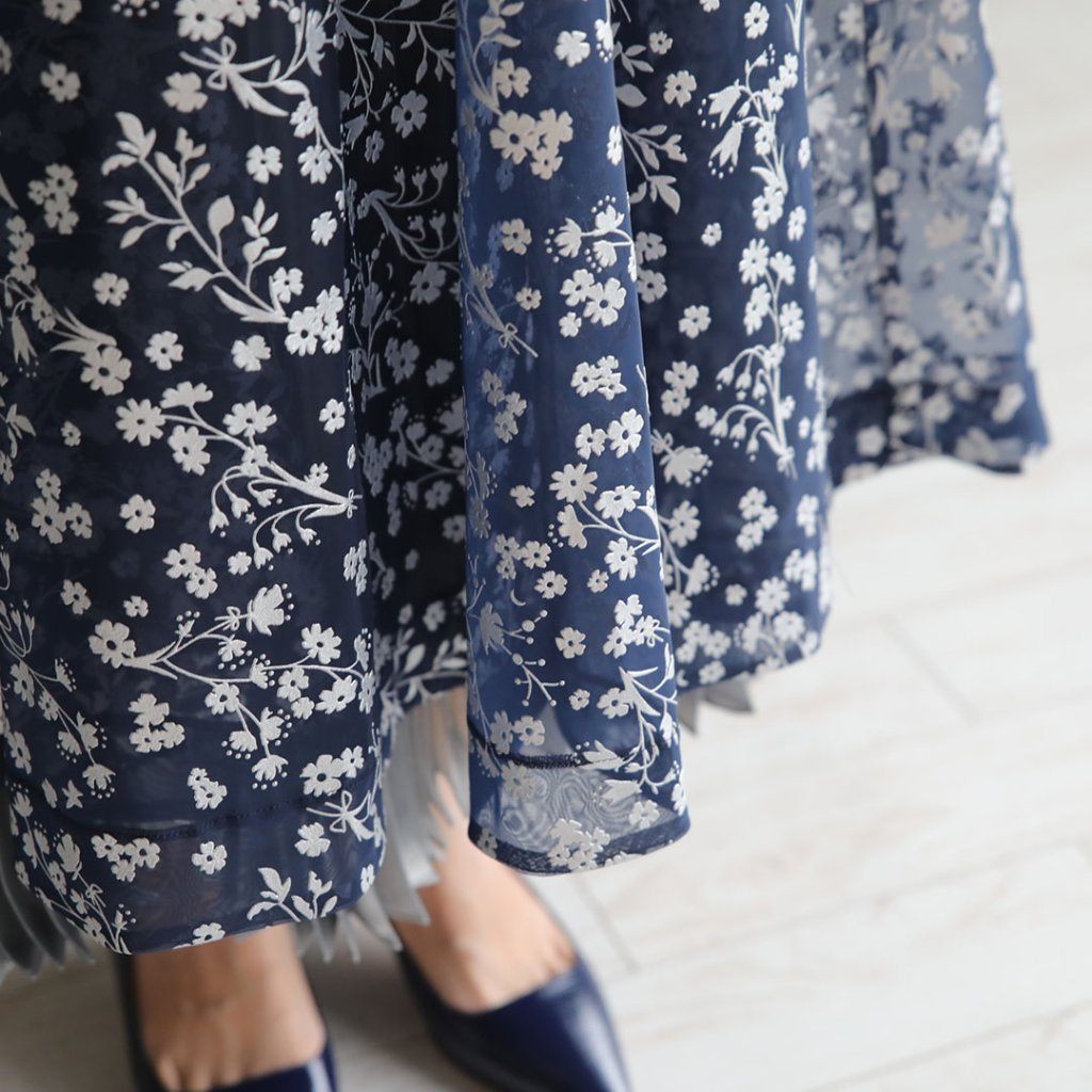 『Frozen flower』 organdy × pleats Long Skirt NAVYの画像