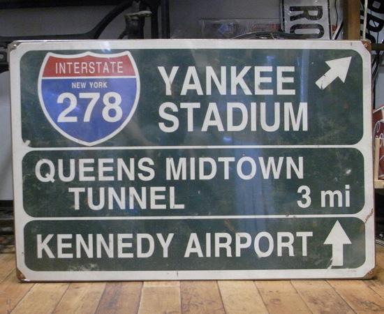 スティールサイン看板 ヤンキースタジアム トラフィックサイン 標識 アメリカン雑貨画像