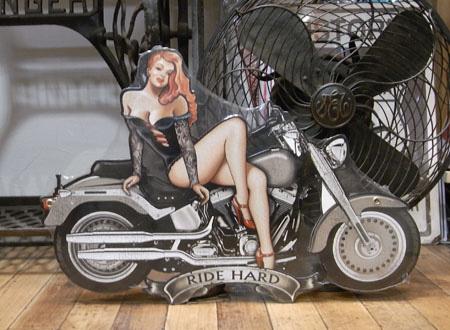 スティール看板【モーターサイクルガール】メタルサインプレート アメリカン雑貨の画像