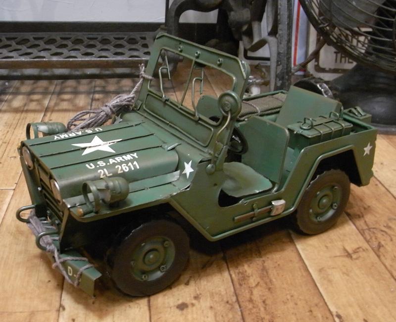 アーミージープ ブリキのおもちゃ ブリキ製自動車 ミリタリー アメリカン雑貨の画像