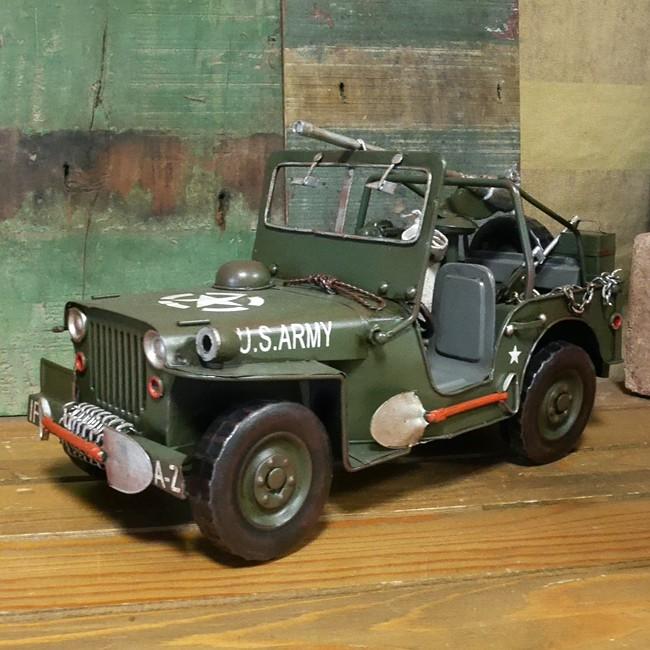 アーミージープ ブリキ製自動車 ブリキのおもちゃ ミリタリー アメリカン雑貨の画像