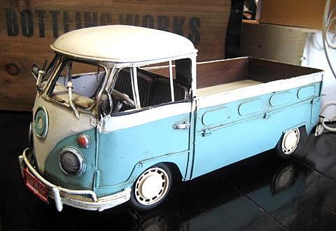ワーゲンバス ピックアップトラック ブリキ製自動車 ブリキのおもちゃ アメリカン雑貨の画像