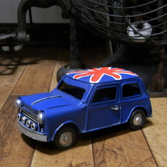 ミニクーパー ノスタルジックデコ ブリキ製自動車 ブリキのおもちゃ アメリカン雑貨の画像