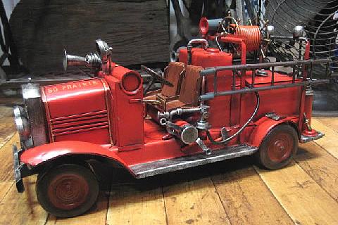 消防車A ブリキ製自動車 ブリキのおもちゃ アメリカン雑貨の画像