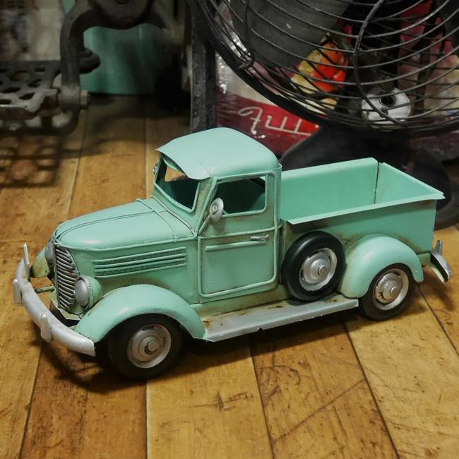 ピップアップトラック 【ライトブルー】  ブリキ製自動車 ブリキのおもちゃ アメリカン雑貨の画像