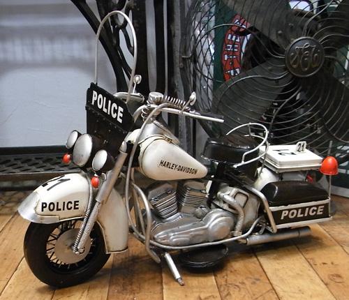ハーレーポリスモデルオートバイ ブリキのおもちゃ ブリキ製オートバイ アメリカン雑貨の画像