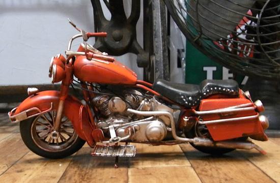 ハーレーモデルバイク【レッド】 ブリキのおもちゃ ブリキ製オートバイ アメリカン雑貨の画像
