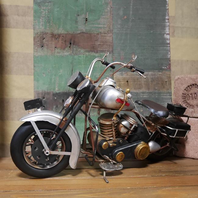 ヴィンテージ オールドバイク【シルバー】 ブリキのおもちゃ ブリキ製オートバイ アメリカン雑貨の画像