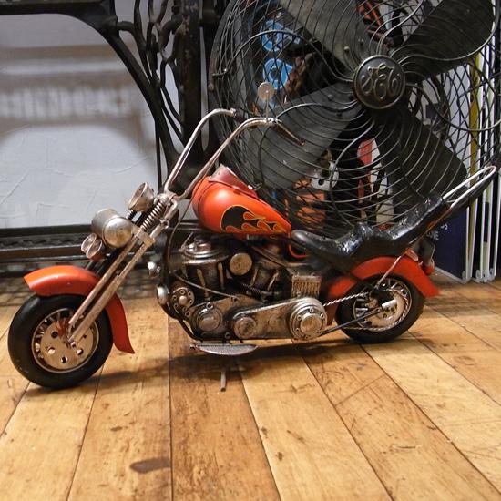 チョッパーバイク ブリキのおもちゃ ブリキ製オートバイ アメリカン雑貨の画像