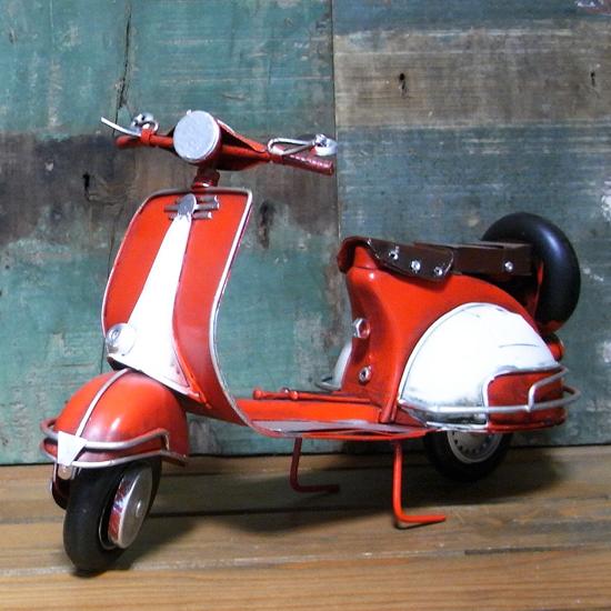 BIGスクーター ノスタルジックデコ バイク【レッド】ブリキのおもちゃ ブリキ製オートバイ アメリカン雑貨の画像