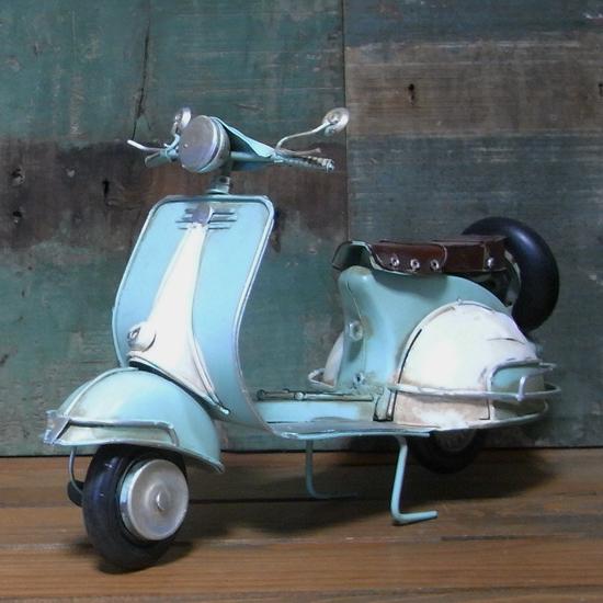 BIGスクーター ノスタルジックデコ バイク【ライトブルー】ブリキのおもちゃ ブリキ製オートバイ アメリカン雑貨の画像