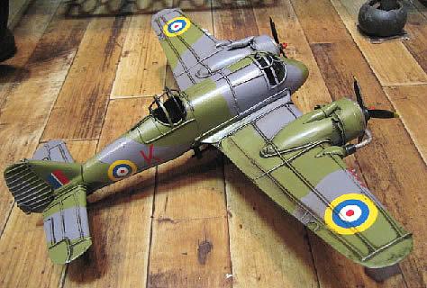 ブリキ製戦闘機 ブリキのおもちゃ ブリキ製飛行機 アメリカン雑貨画像