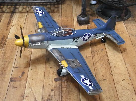 戦闘機【F2モデル】 ブリキのおもちゃ ブリキ製飛行機 アメリカン雑貨の画像