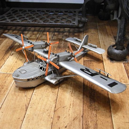 水上飛行機 ブリキのおもちゃ ブリキ製飛行機 アメリカン雑貨の画像