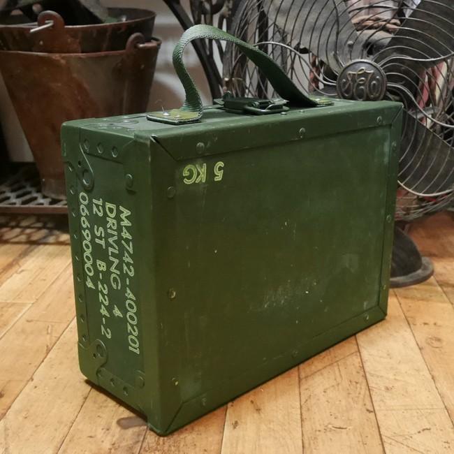 スウェーデン軍 アミニッションボックス  アンモボックス 収納ボックス ユーズド ミリタリー雑貨の画像