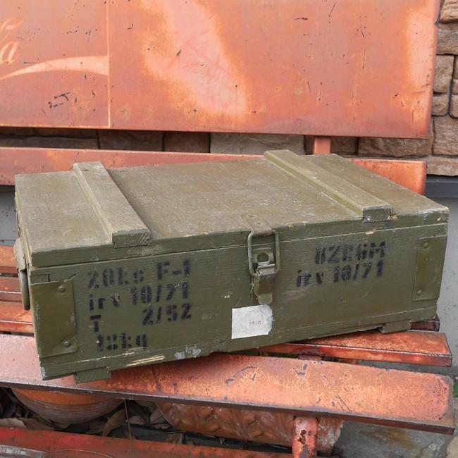 チェコ軍 F1 グレネードボックス 手榴弾入れ 収納ボックス ミリタリー ユーズドジャンクの画像