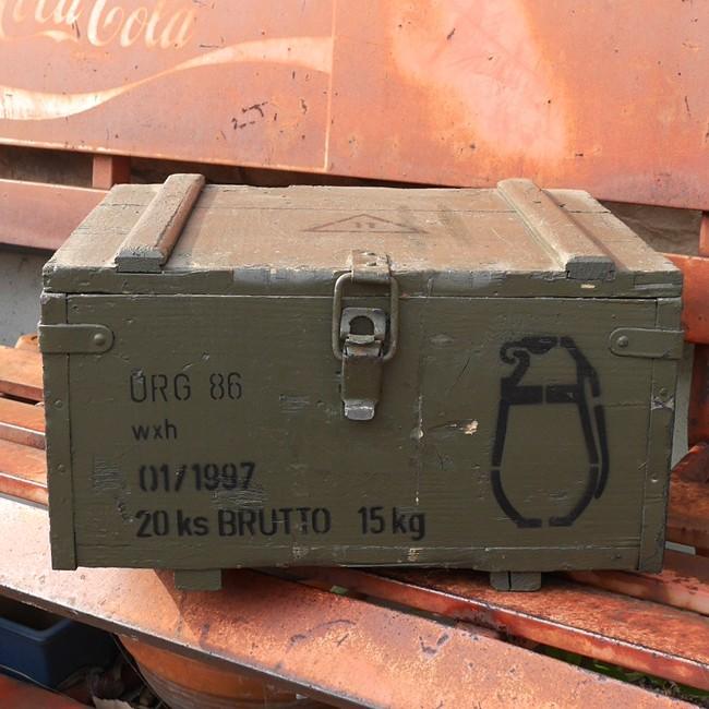 チェコ軍 アミニッションボックス 手榴弾入れ 収納ボックス グレネードケース ミリタリーの画像