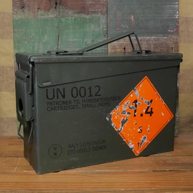 デンマーク軍 アンモボックス ミリタリー 収納 インテリア スチール製アンモボックスの画像