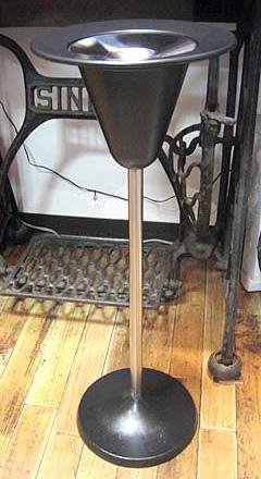 レトロデザインスチール製スタンド灰皿 スタンド灰皿の画像