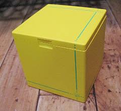 ハニカムキューブ灰皿【イエロー】  卓上灰皿 の画像