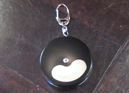 キーホルダー型携帯灰皿【ブラック】 モバイル灰皿 携帯灰皿の画像