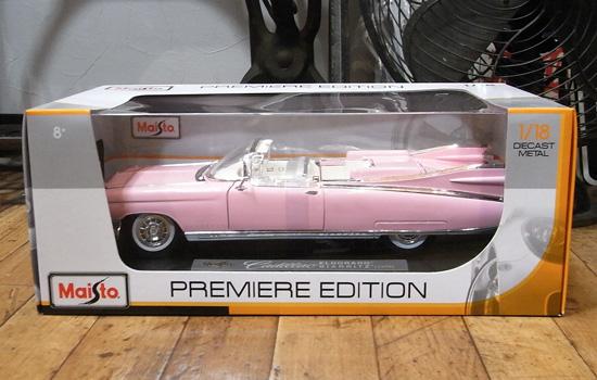 キャデラック エルドラド 1959 MAISTO 1/18 レトロミニカー ピンクキャデラックの画像