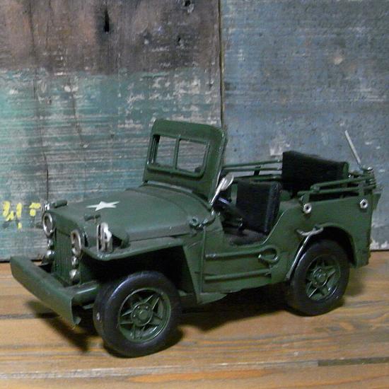 ブリキのおもちゃ ミニアーミージープ 自動車 ヴィンテージミニカー アメリカン雑貨の画像