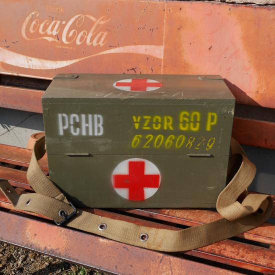 チェコ軍 ミリタリーメディカルウッドボックス 木箱 収納ファーストエイド 救急箱の画像
