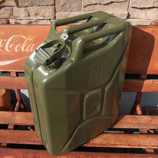 チェコ軍 ガソリン缶 20L ミリタリー インテリア ユーズド雑貨の画像