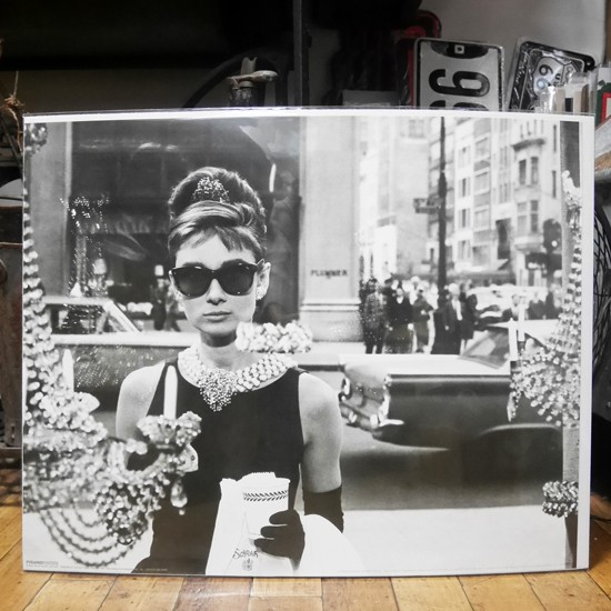 ポスター オードリーヘップバーン「 ティファニーで朝食を」 映画スターポスター画像