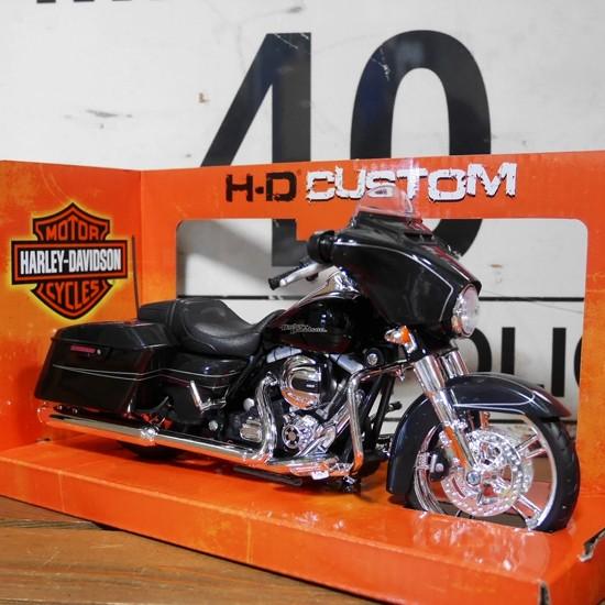 ハーレーダビッドソン 2015 Street Glide  1/12 Maisto オートバイ  アメリカン雑貨の画像