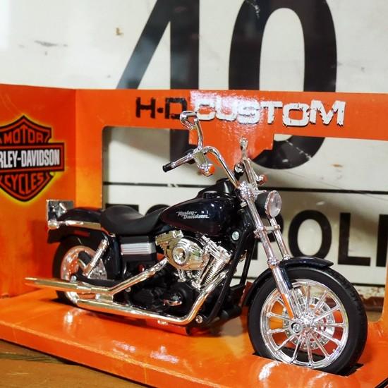 ハーレーダビッドソン 2006 FXDB1 DYNA ストリートボブ バイク  アメリカン雑貨の画像