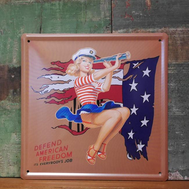 ピンナップガール エンボス看板 ブリキ看板 アメリカンインテリアの画像