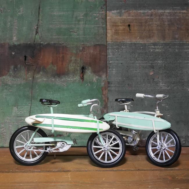 ノスタルジックデコ ビーチクルーザー サーフボード自転車 アイアン製自転車 アメリカン雑貨の画像