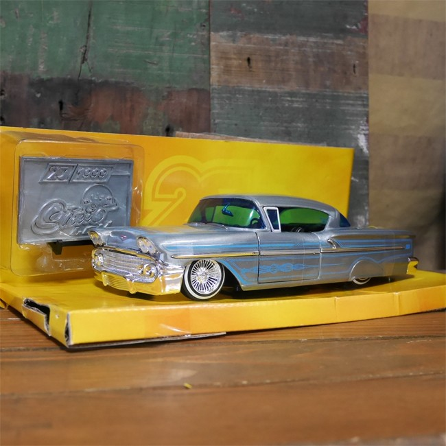JADA 20th ANNIVERSARY Street LOW ミニカー 1958 CHEVY IMPALA 1/24サイズ シェビー インパラ の画像