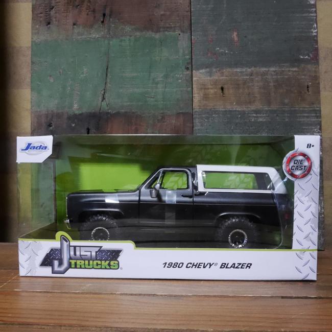 JADATOYS 1:24 JUST TRUCKS 1980 CHEVY K5 BLAZER OFF ROAD  ミニカー アメリカン雑貨画像