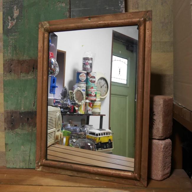 【SALE】壁掛けミラー アンティークタイプウォールミラー スチールフレームミラー 鏡 画像
