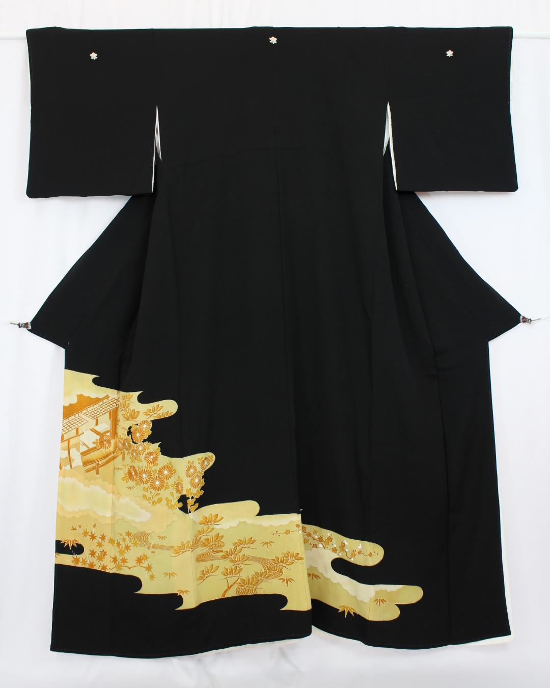 【古着物】菊紅葉風景黒留袖画像