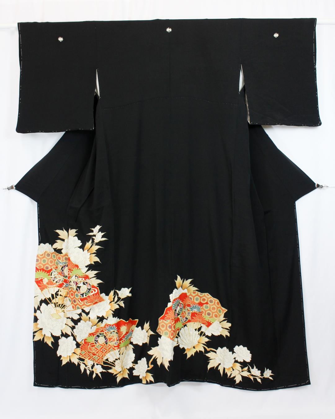 【古着物】扇牡丹柄黒留袖画像
