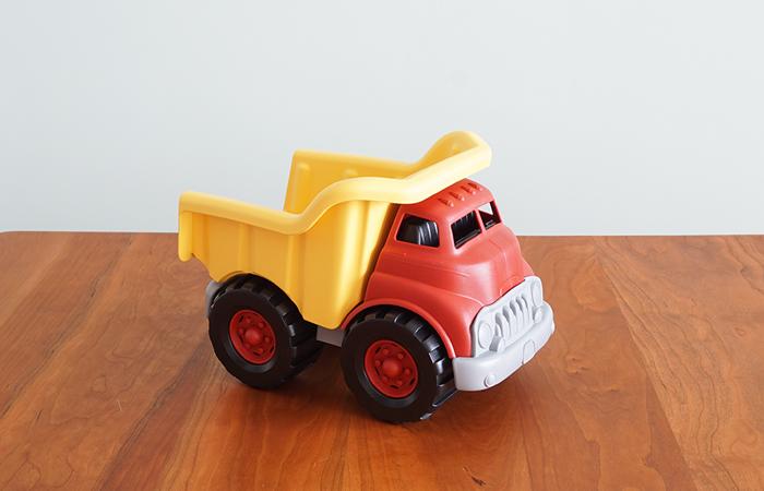 グリーントイズのダンプトラック