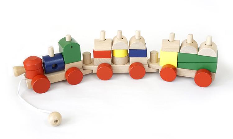 汽車の時は紐で引っ張れる積み木