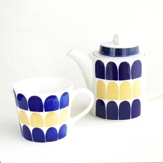 北欧風ティーポットとマグカップセットの画像