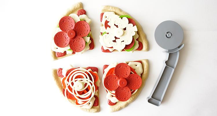 ピザ屋さんごっこ ピザが焼きあがりました!