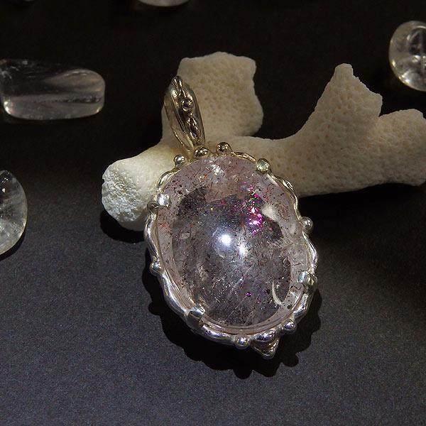 ピンクファイアークォーツの粒飾りペンダント2(オーバル)の画像