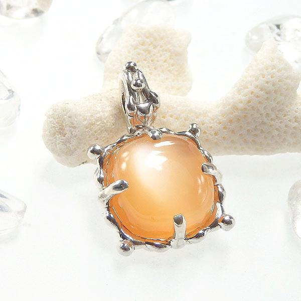 オレンジムーンストーンの粒飾りペンダントの画像