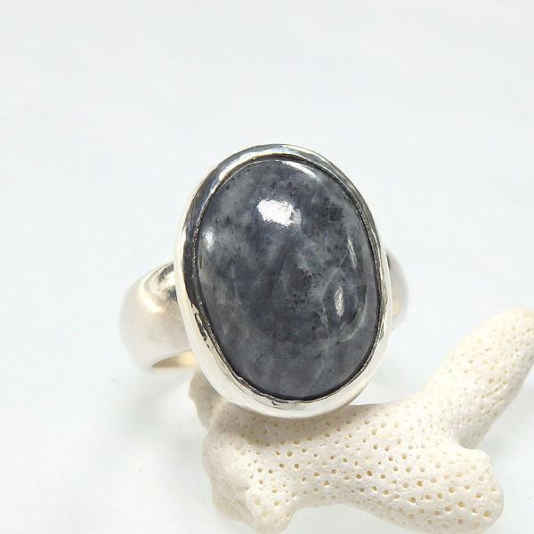 糸魚川産 黒翡翠のリング 20号の画像